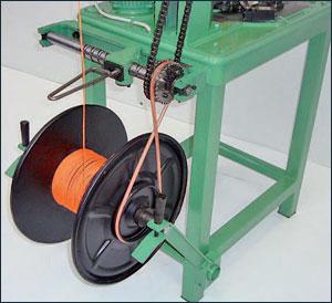 macchine-a-trecciare-per-lacci-e-tendaggi-e-reti-da-pesca-inglese-80-STICH-guidafilo-200-a-cinghia-trecciatrici-melitrex-srl-desio-01